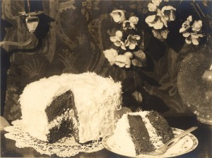 From Wikimedia Commons: http://upload.wikimedia.org/wikipedia/commons/8/84/ACJziegfeld_cake.jpg